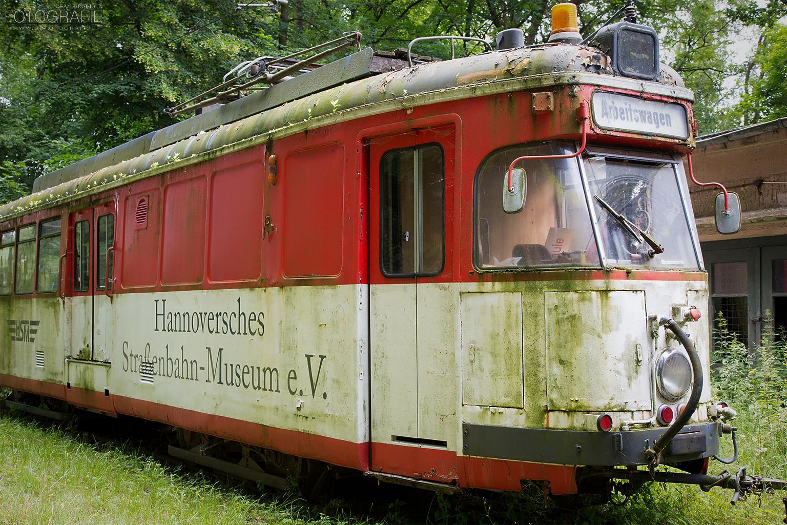 Der rote Arbeitswagen