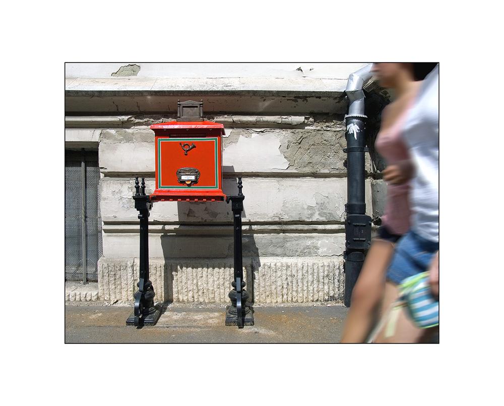 Der rote Briefkasten