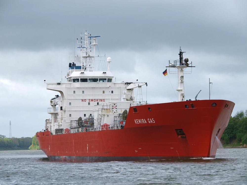 Der Schadstoff - Tanker KEMIRA GAS auf dem Nord-Ostsee-Kanal