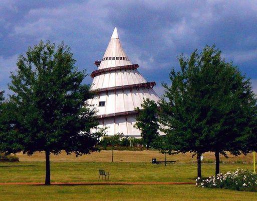 der schiefe Turm von Magdeburg