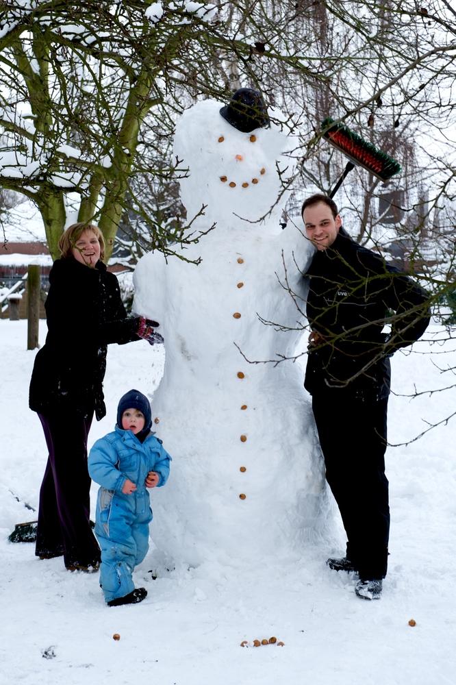 Der Schneemann (ca. 2,30m)