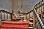 der Sessel im Treppenhaus ...