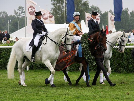 Der Sieger des Deutschen Derbys 2011