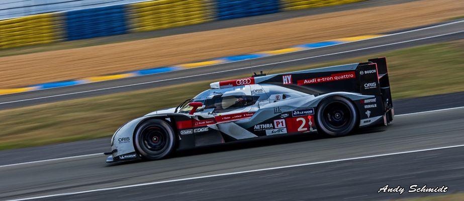 Der Sieger im Morgengrauen Le Mans 2014