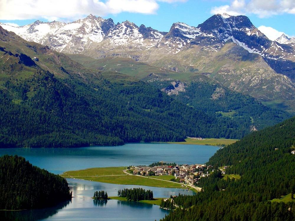 Der Silvaplaner See im Engadin