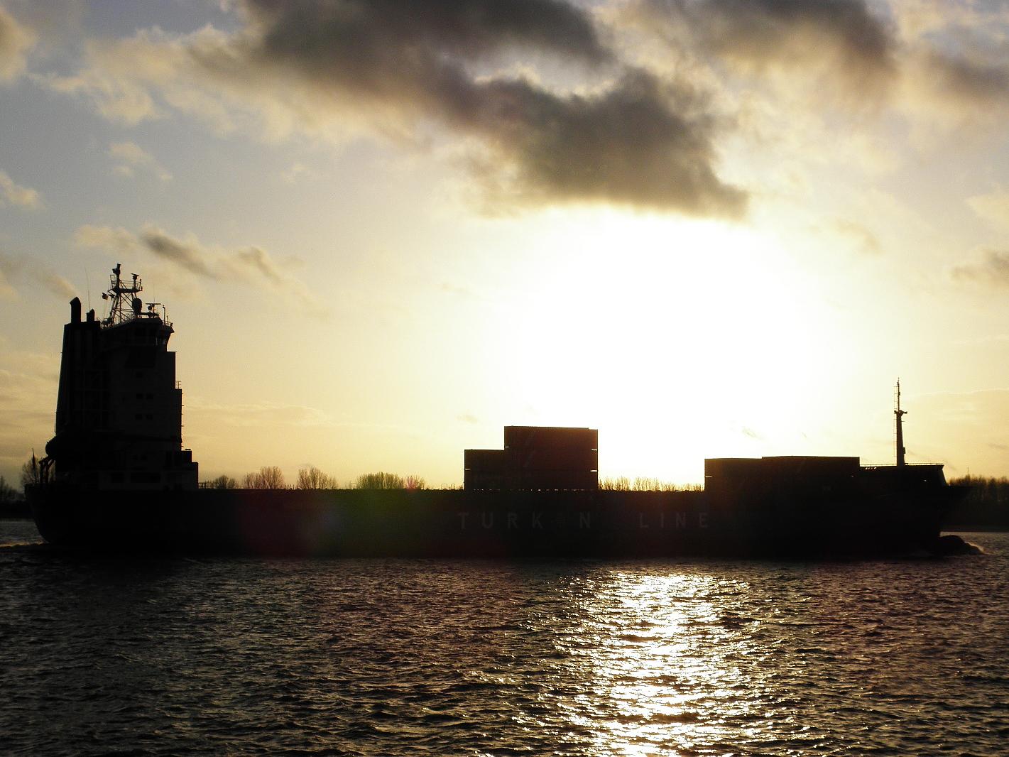 Der Sonne entgegen Kasif Kalkavan IMO 9236262