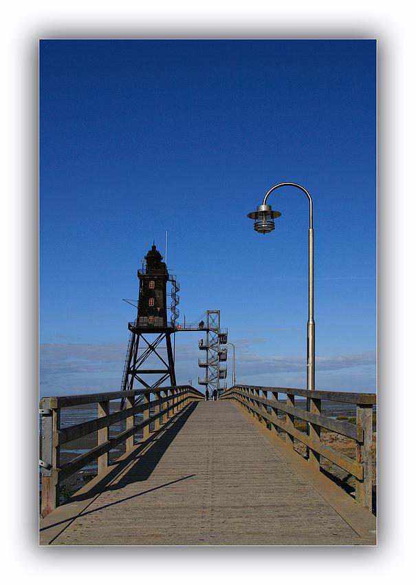 Der Steg und Leuchtturm Obereversand  ( Dorum )