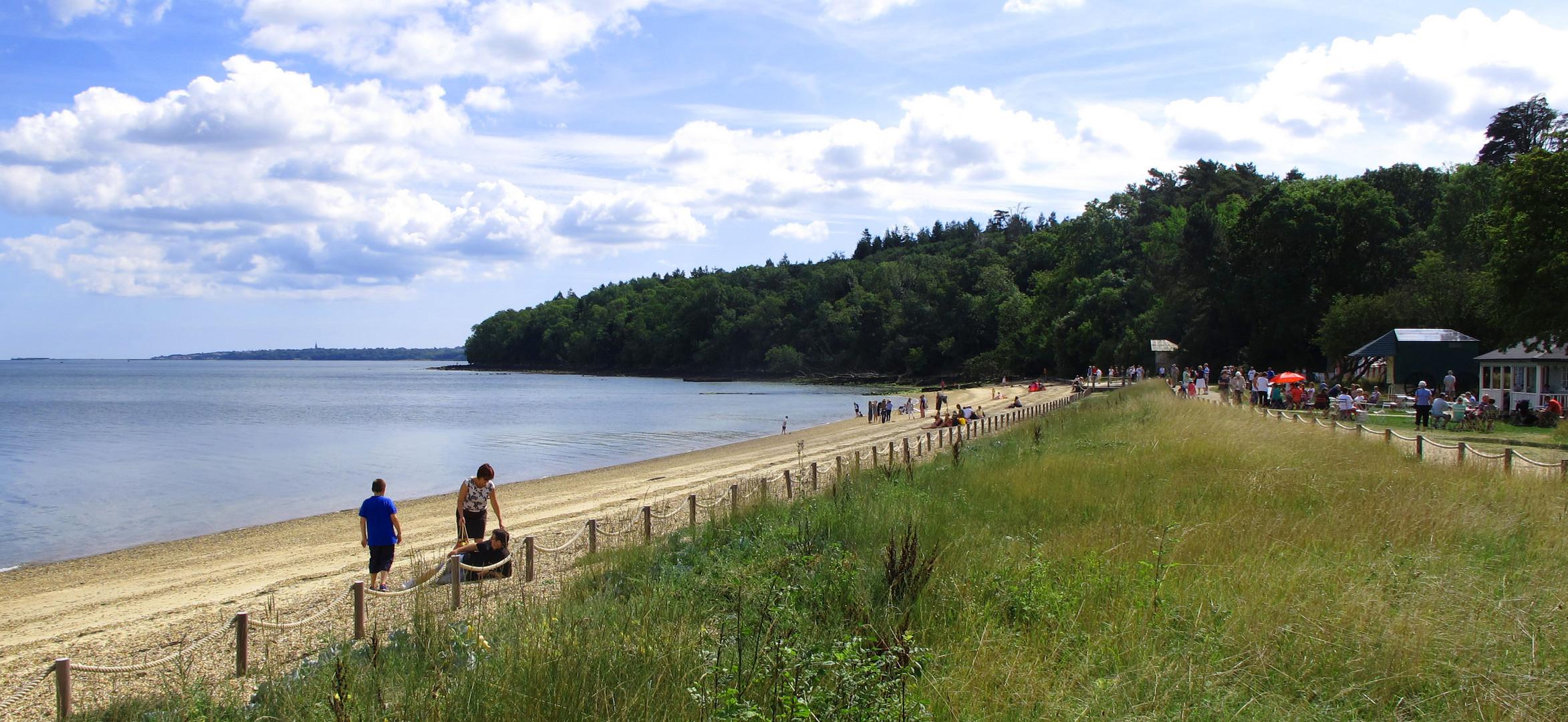 Der Strand gehört zum Osborne Park und ist heute ein öffentlicher Badeort.