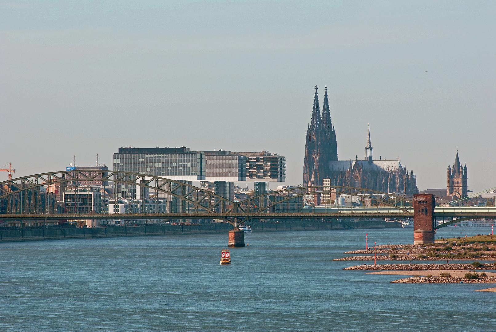 Der Strom durch Köln