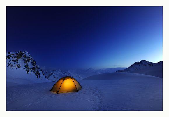 Der Tag wird zur Nacht - Schweiz Julia Pass