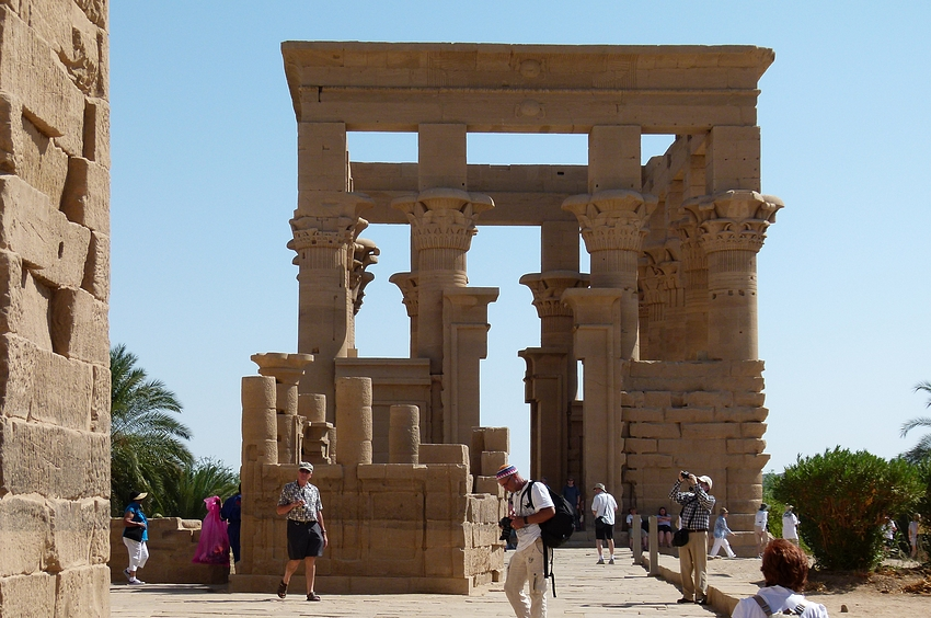 ...der Trajankiosk im Isis Tempel...