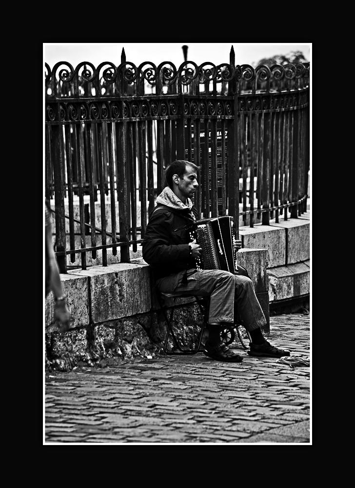 Der traurige Musikant vom Sacre Coeur