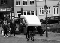 Der TÜF testet neue Fahrrat Helme mach mit!!!