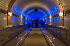 der Tunnel wird blau