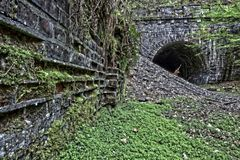 der Tunneleingang...
