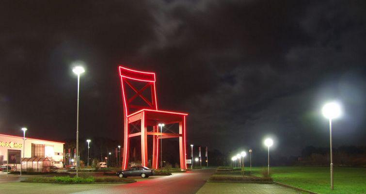 Der Über-Stuhl in Nordhorn