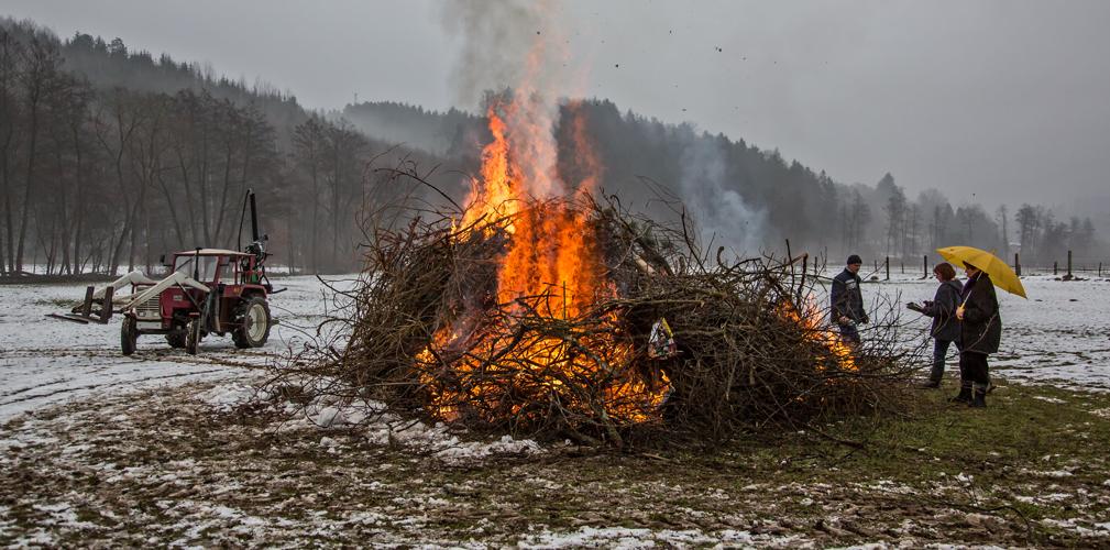Der Versuch eines Osterfeuers!