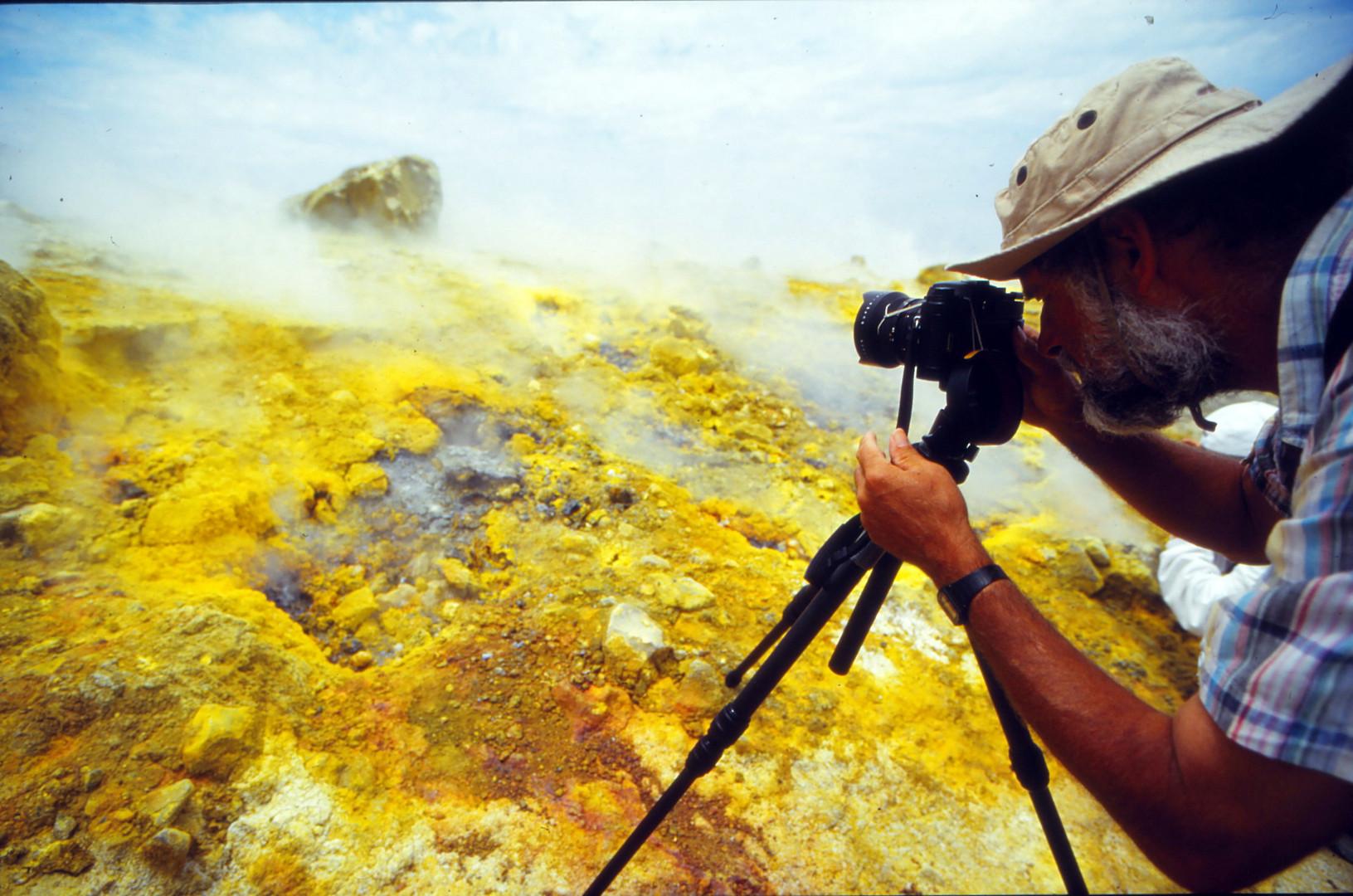 Der Vulkanologe W.M auf Vulcano-Italien