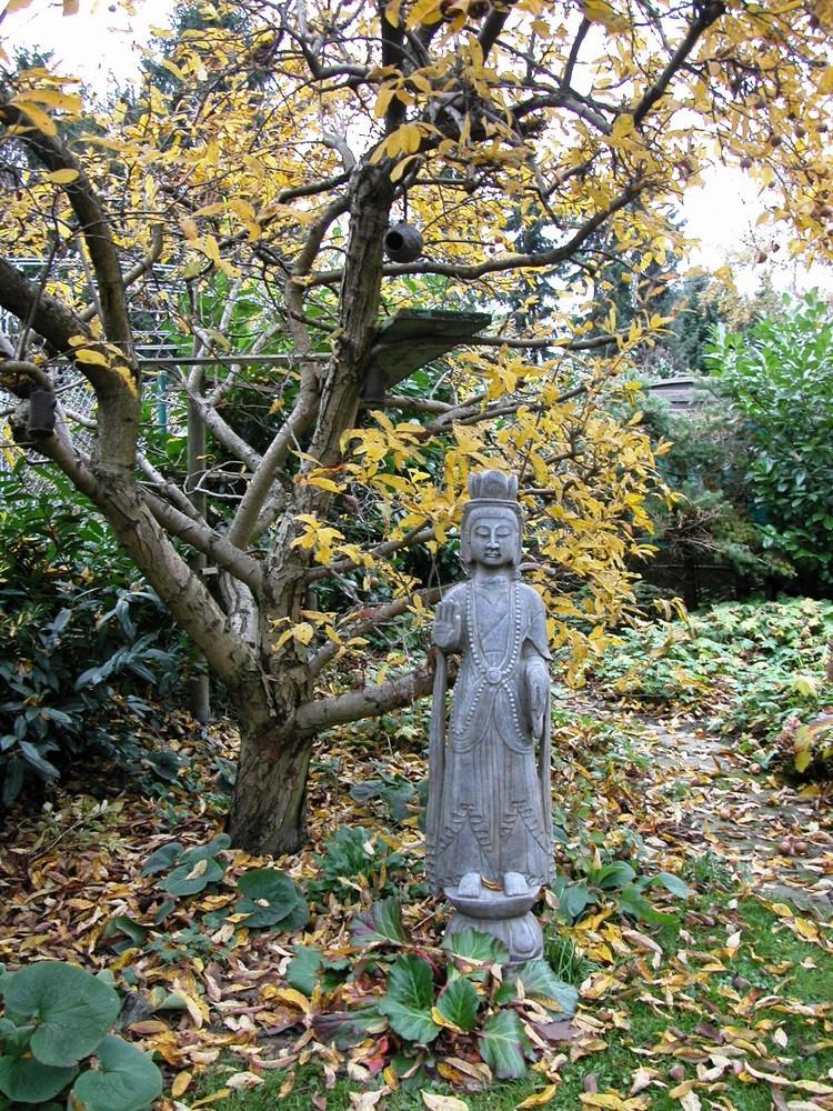 Der Wächter des Herbstgartens