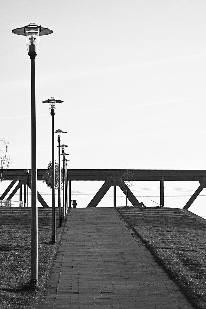 Der Weg 3 - zur Brücke