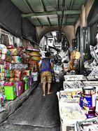 der Weg zum Pier am Chao Phraya......