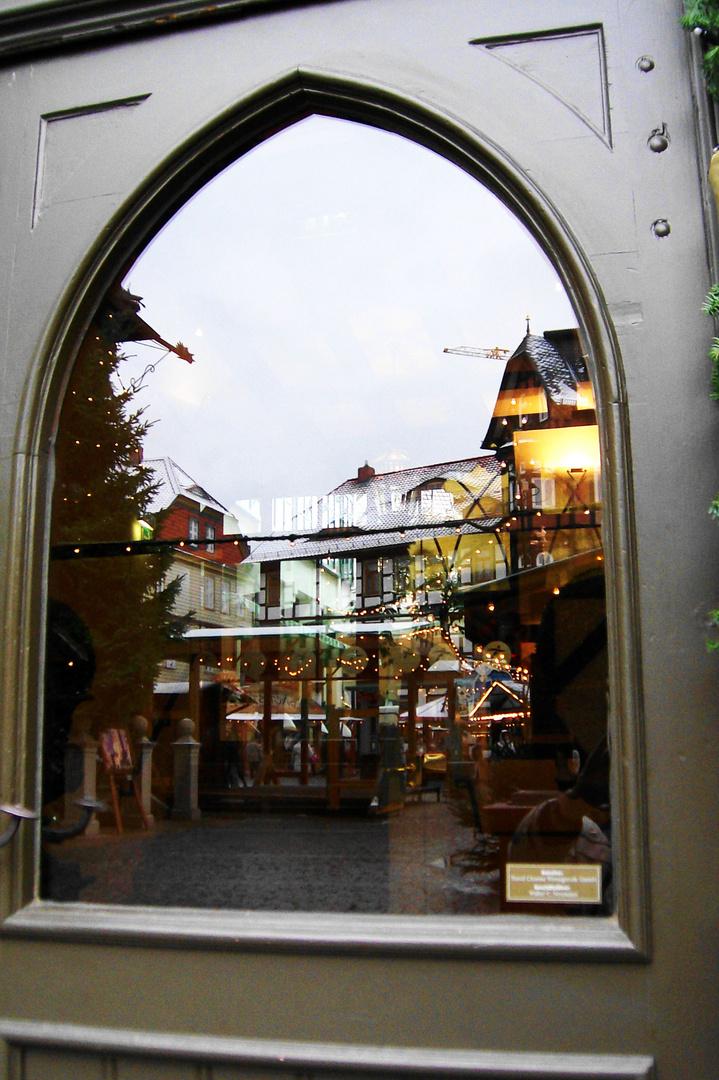 Der Weihnachstmarkt im Spiegel.