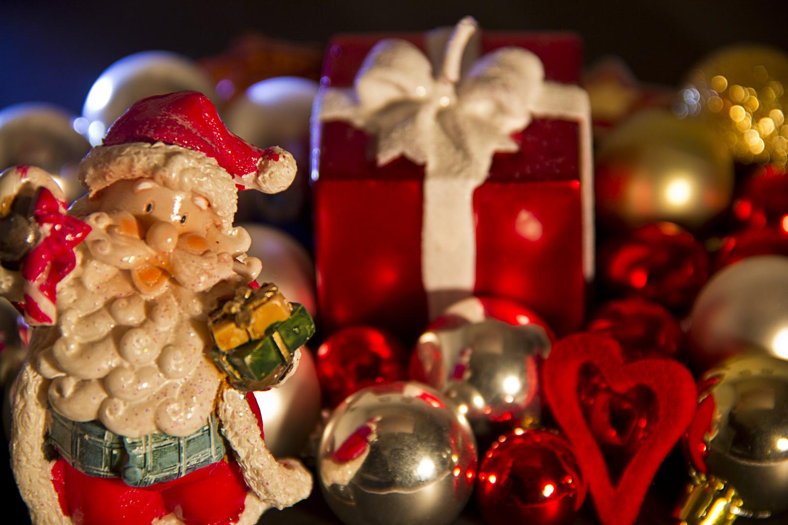 Der Weihnachtsmann und seine Geschenke