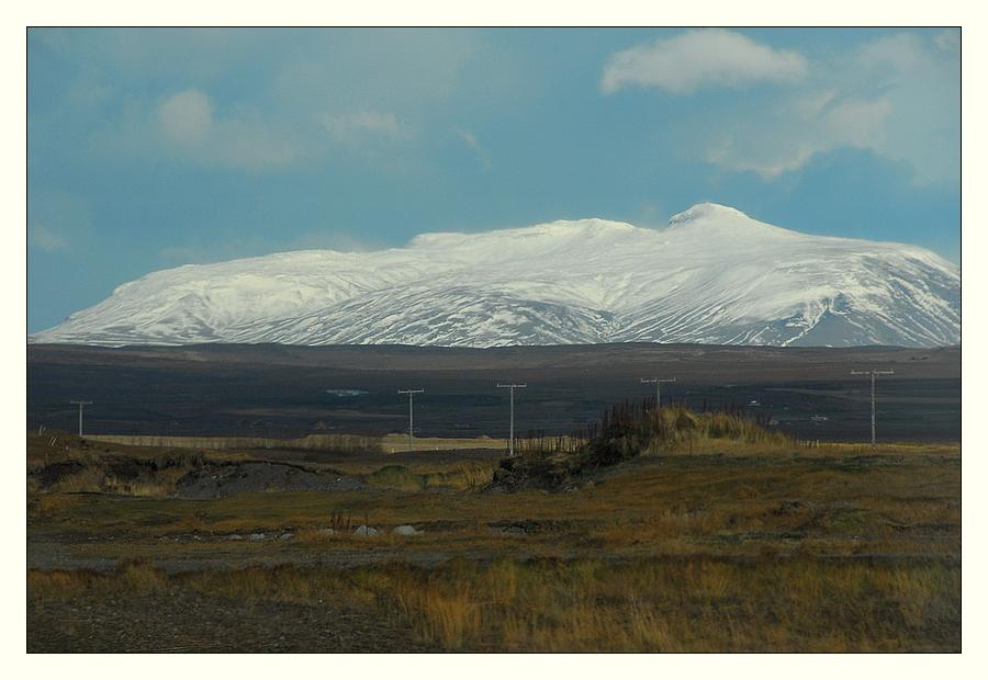 Der weiße Berg und die Telegrafenmasten........