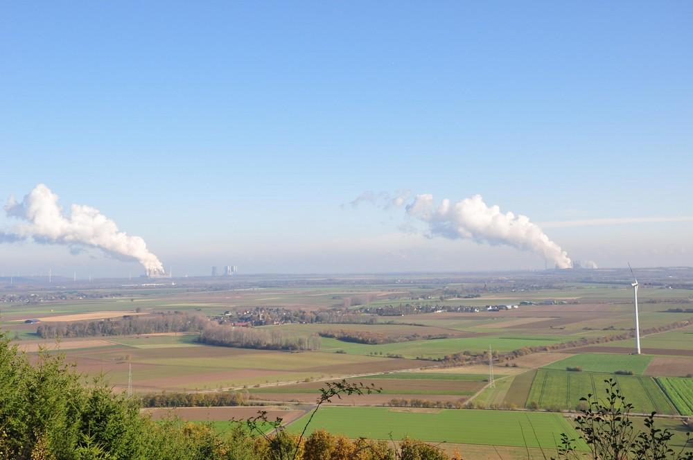 Der weite Blick                               Die Verbraucher der Braunkohle aus dem Tagebau Hambach