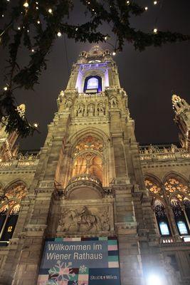 Der Wiener Adventmarkt am Rathausplatz ist eröffnet