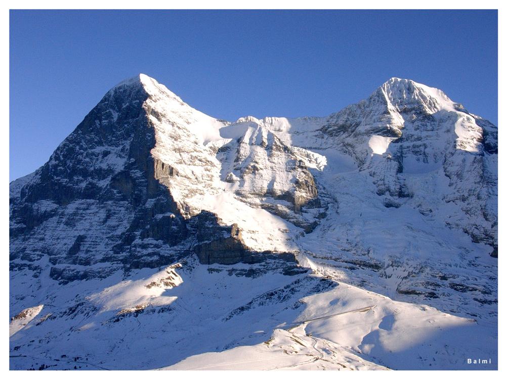 Der Winter macht schon ernst; die ws-Verzuckerung schon unterhalb des Sichtbereiches liegen bleibt!