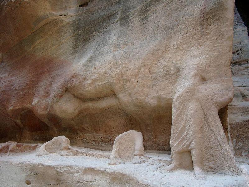 Der Zahn der Zeit in Petra