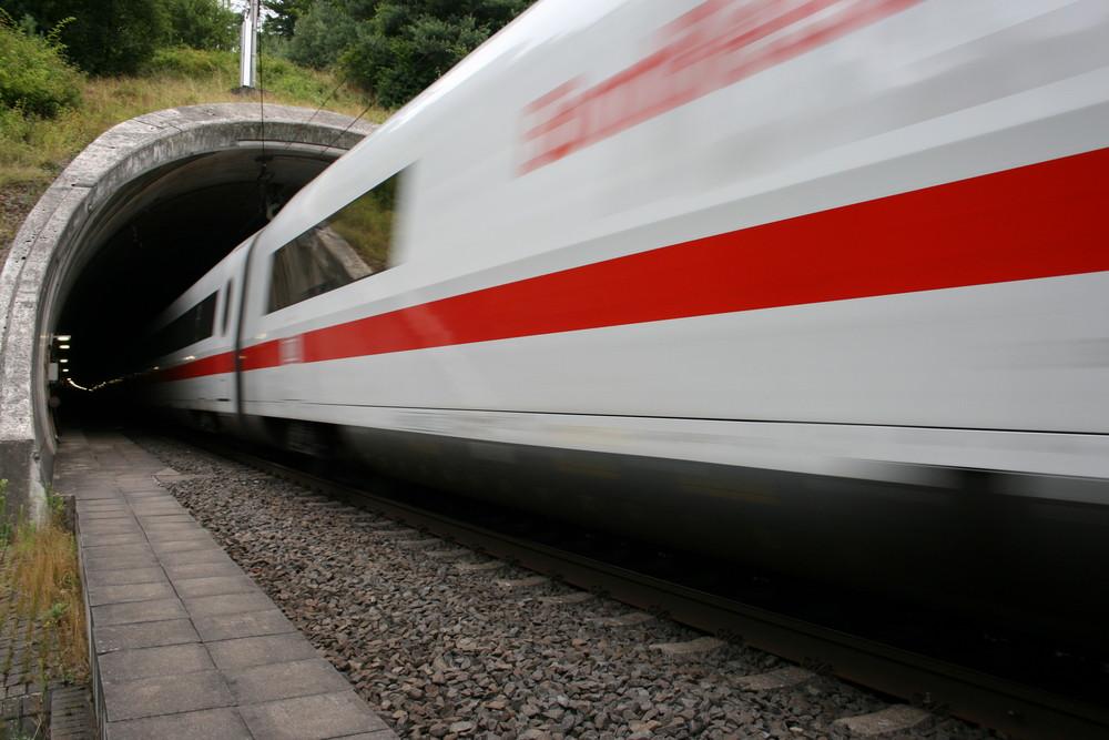 Der Zug im Flug