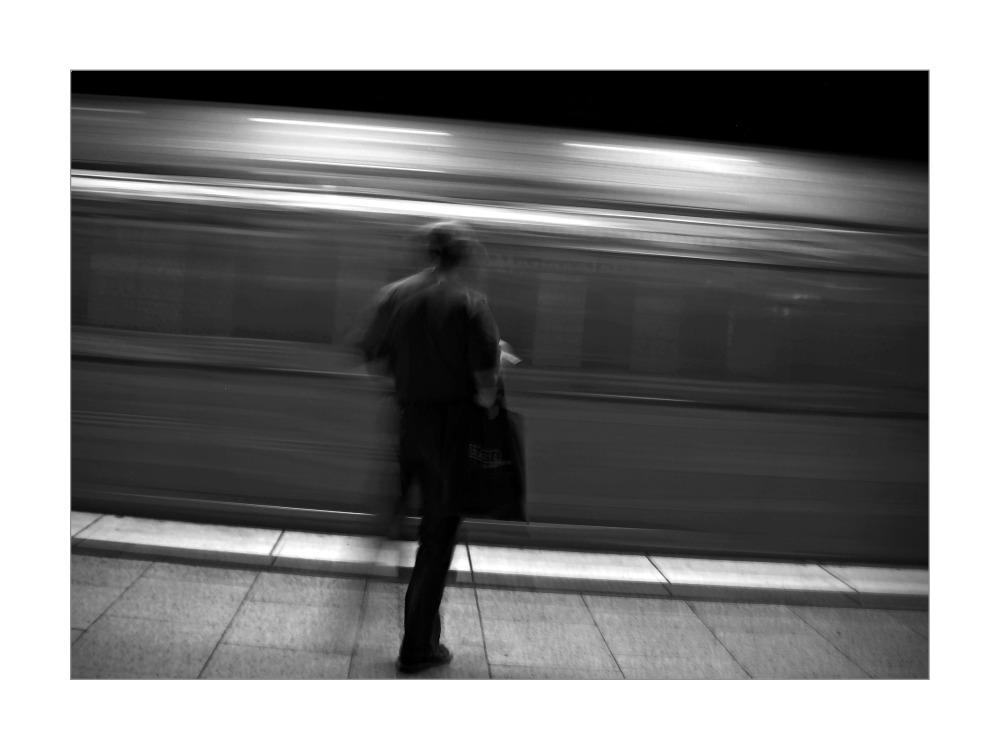 Der Zug kommt [FFM Merianplatz]