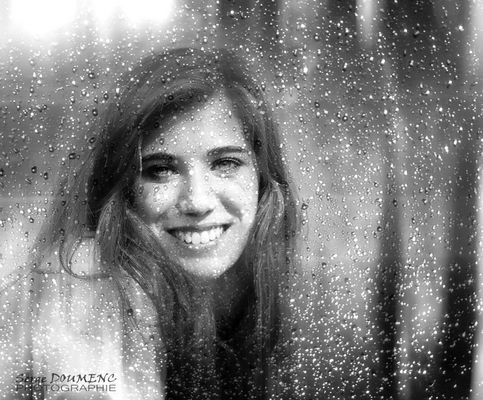 Derrière la pluie