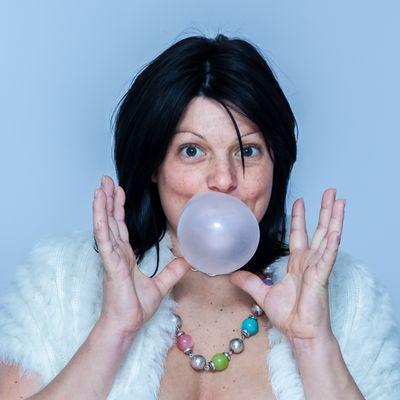 Des bulles de gum et des femmes 3