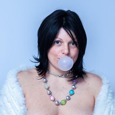 Des bulles de gum et des femmes ²