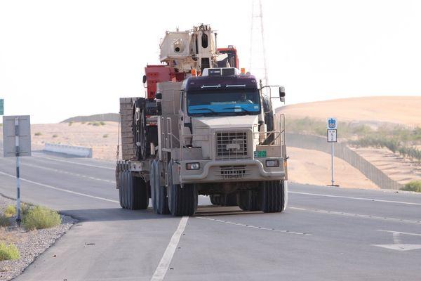--- Desert Truck ---