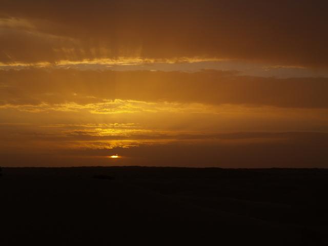 desert tunisien ( coucher de soleil )