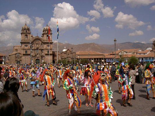 Desfile incaica durante el festivo Inti Raymi, Cuzco, El Perú Junio 2005