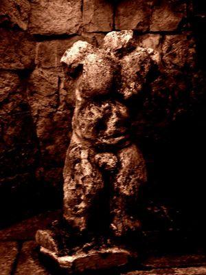 Desnudo en piedra