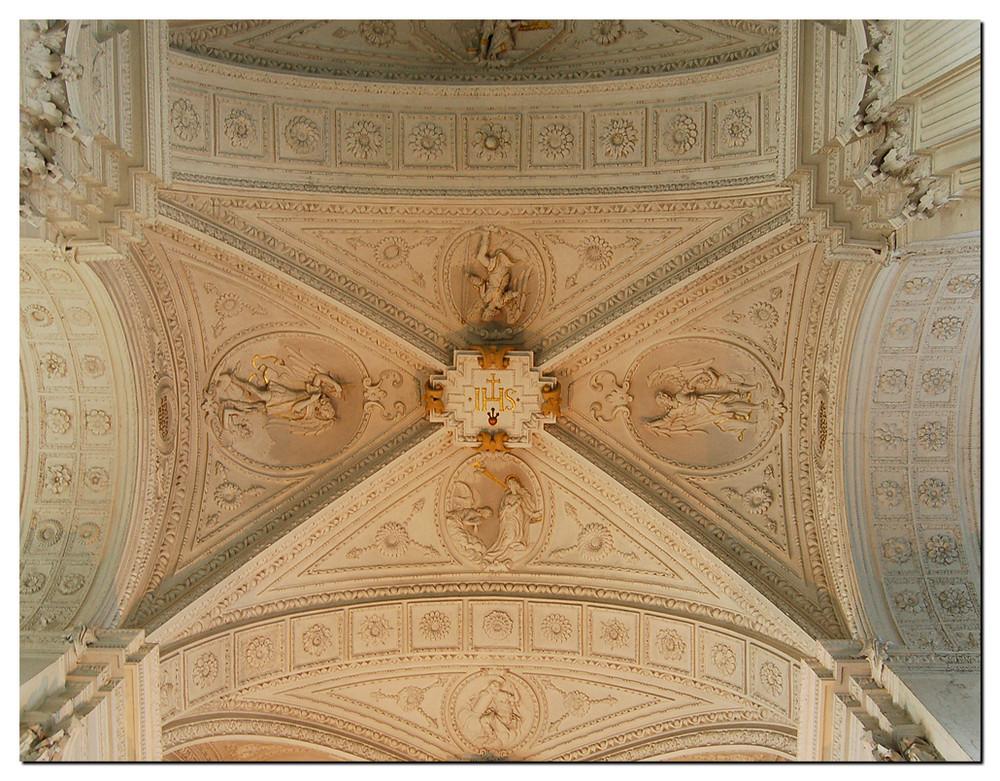 Detail aus der Stuckdecke in der St.Andreaskirche