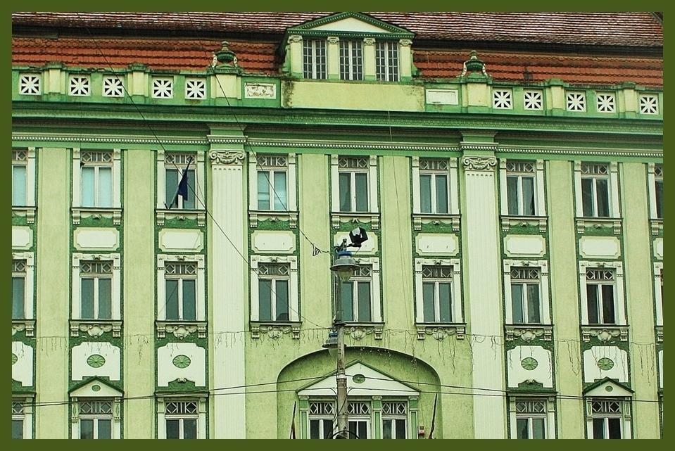 Detail aus einer Stadthausfassade in Rumänien Targu-Mures