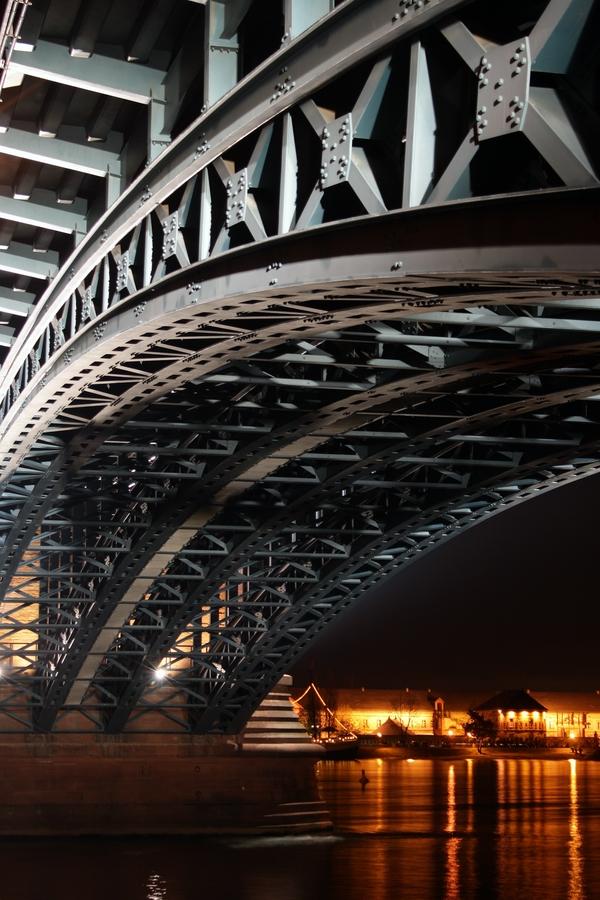 Detail der Theodor-Heuss-Brücke Mainz