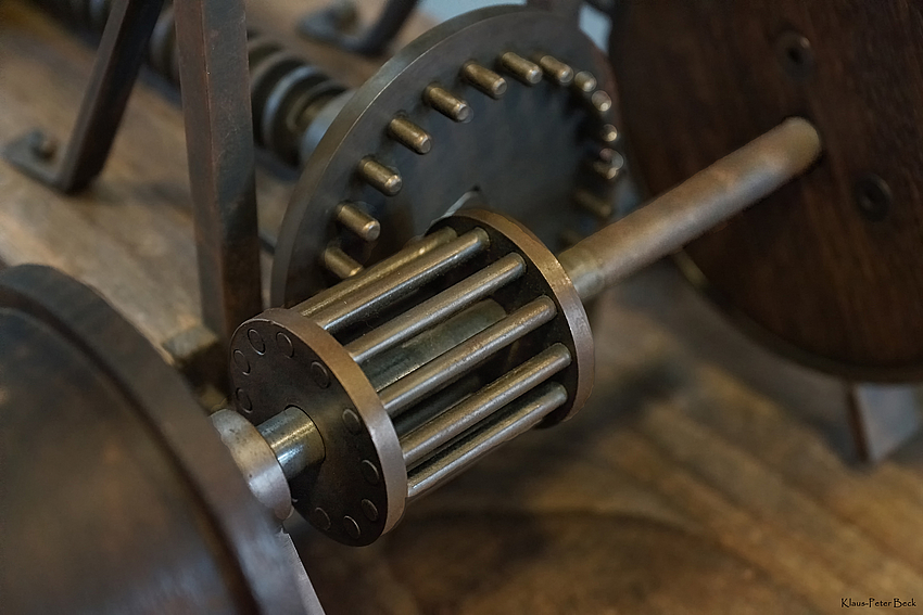 Detail einer Feilenhaumaschine