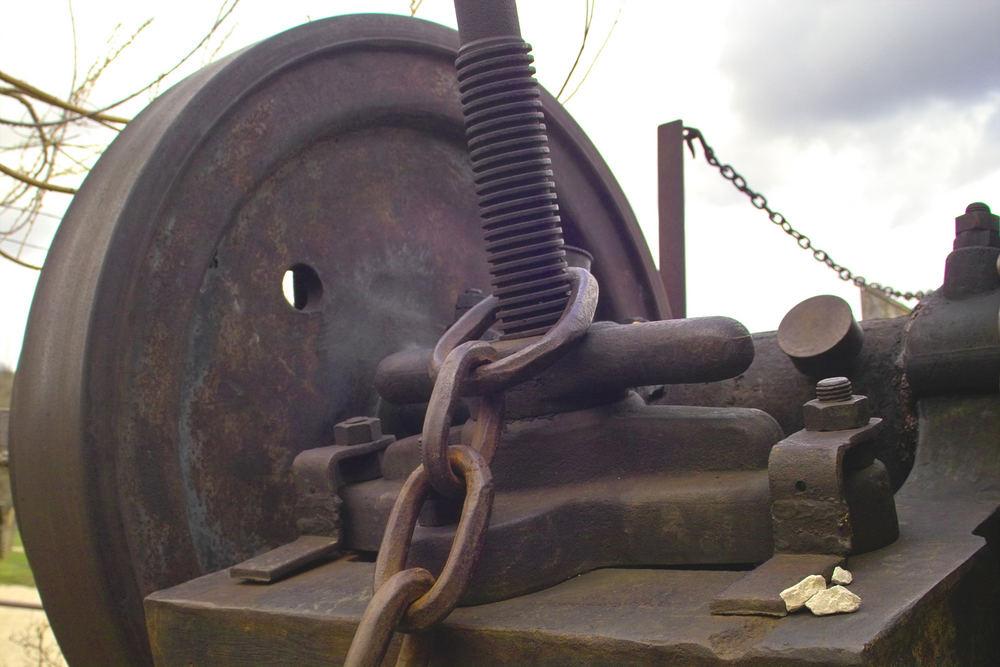 Detail einer Steinzerkleinerungsmaschine