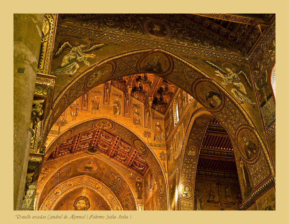 Detalle arcadas Catedral de Monreal ( Palermo Sicilia Italia )