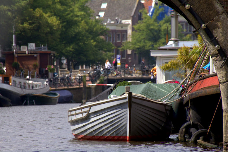 Detalle canal de Amsterdam