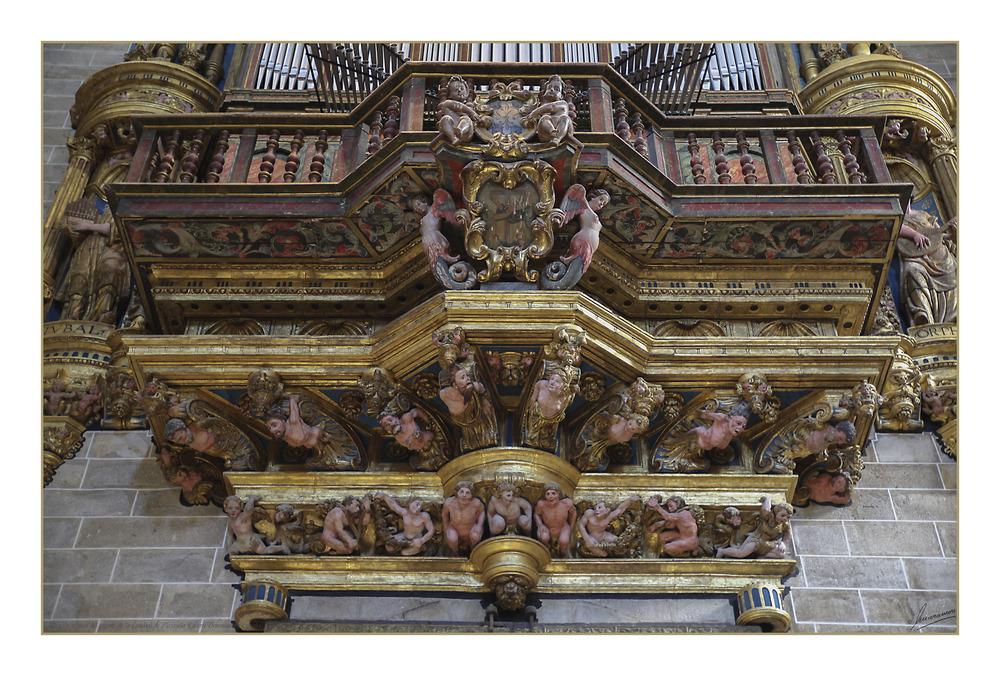 Detalle inferior del órgano de la Catedral de Plasencia (Cáceres Extremadura España)