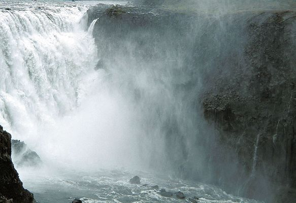 Dettifoss - 120 Tonnen Wasser pro Sekunde